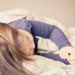 子どもが嘔吐、熱なし、その4つの原因と対処法